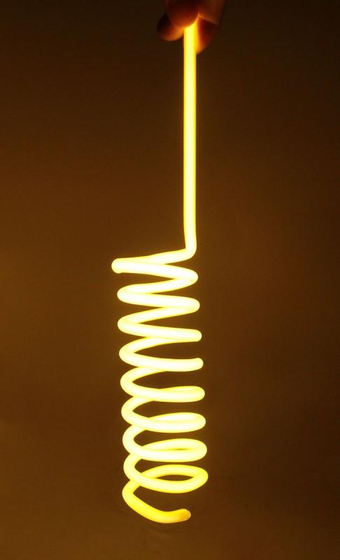 Желтая неоновая спираль