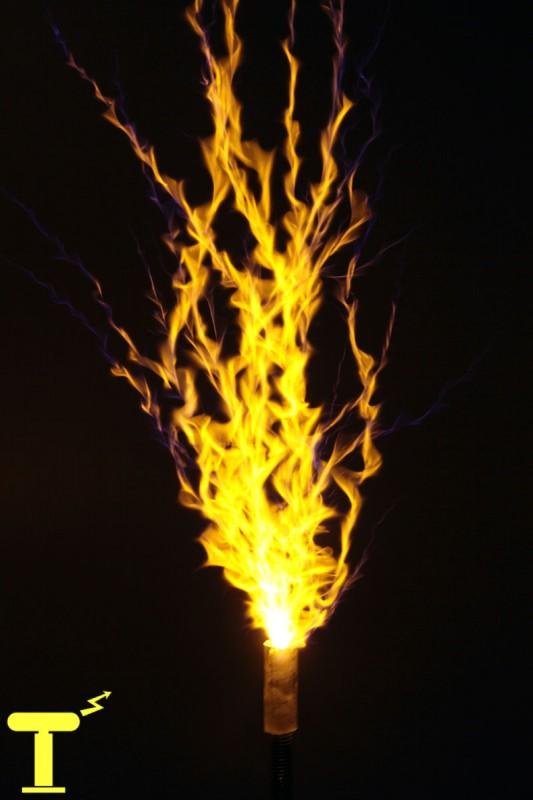 Окраска разряда катушки Тесла