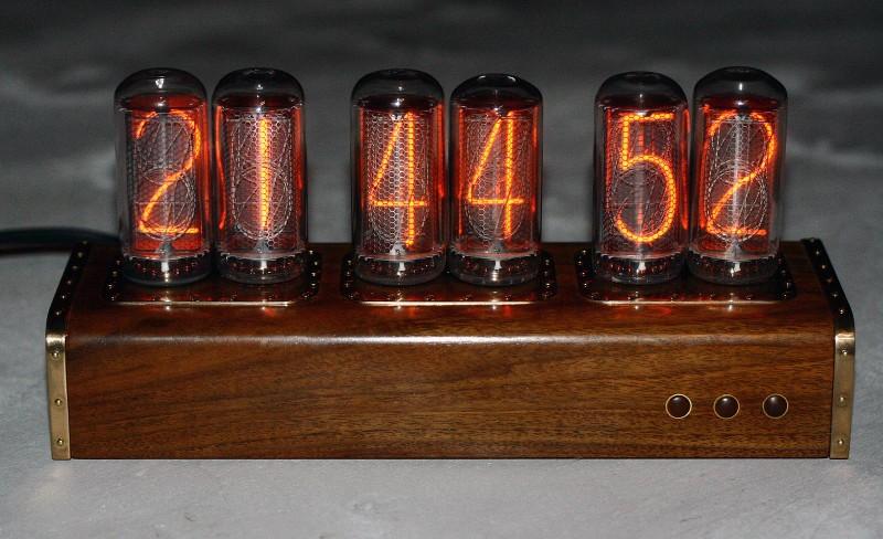 Ламповые часы на ИН-18
