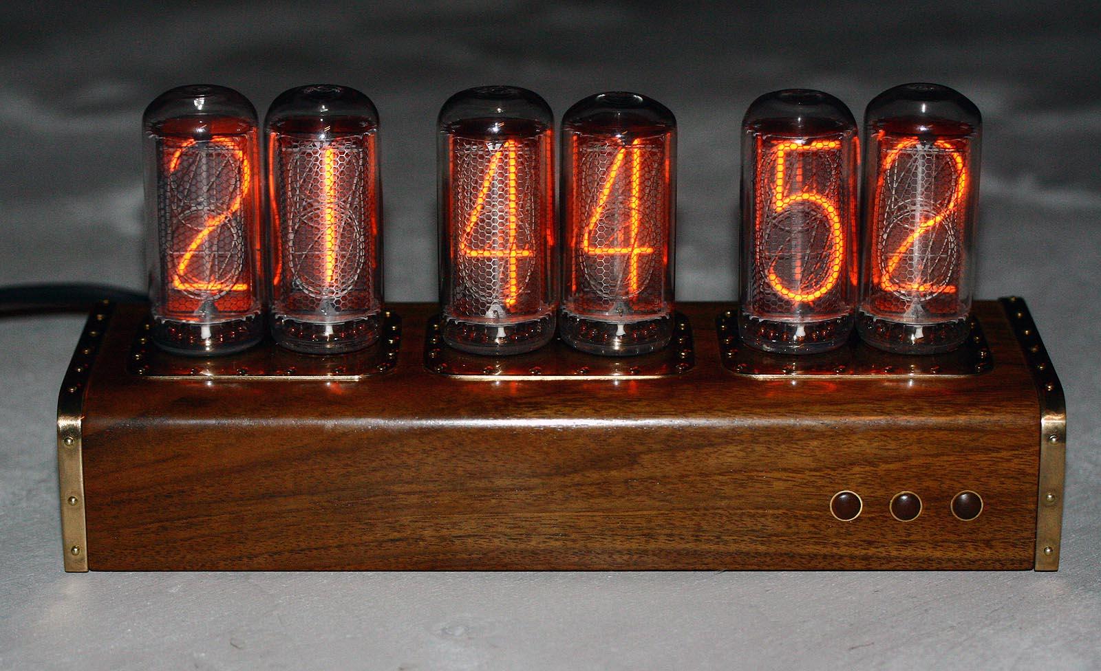 Часы своими руками из индикаторов